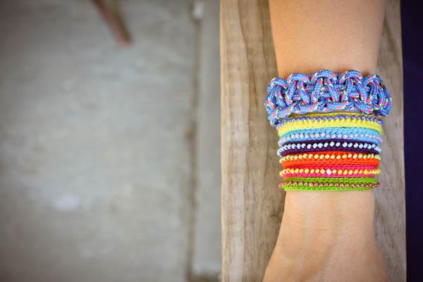 Сделай сама очаровательный браслет из бисера.  Легко и Быстро.  Выкладывай на сайте свои работы.