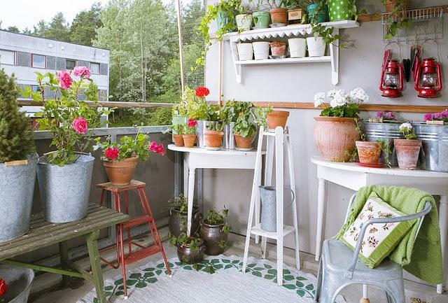 Идеи летних садов и двориков 70 Фото