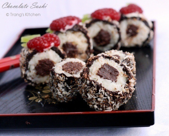 Chocolate sushi with your own hands {Video}