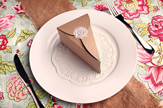 A piece of paper cake {Ideas for a wedding}