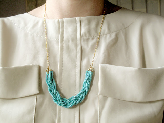 Woven necklace with your own hands