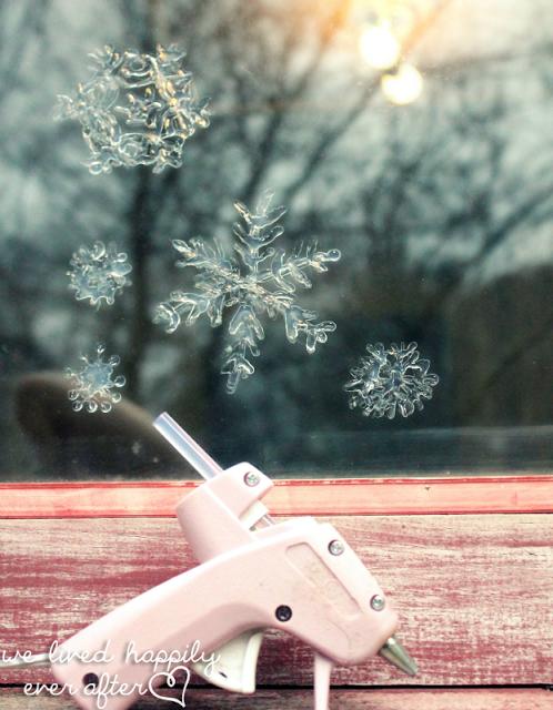 Как сделать снежинки на окнах своими руками