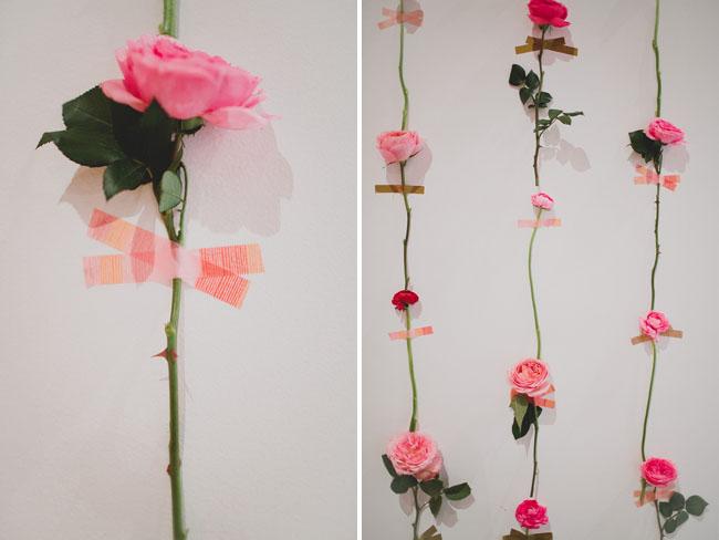 Искусственные цветы своими руками на стену