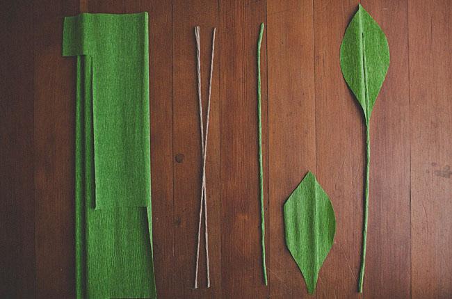 Из гофрированной бумаги своими руками листья