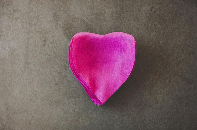 Гигантский цветок розы из бумаги своими руками
