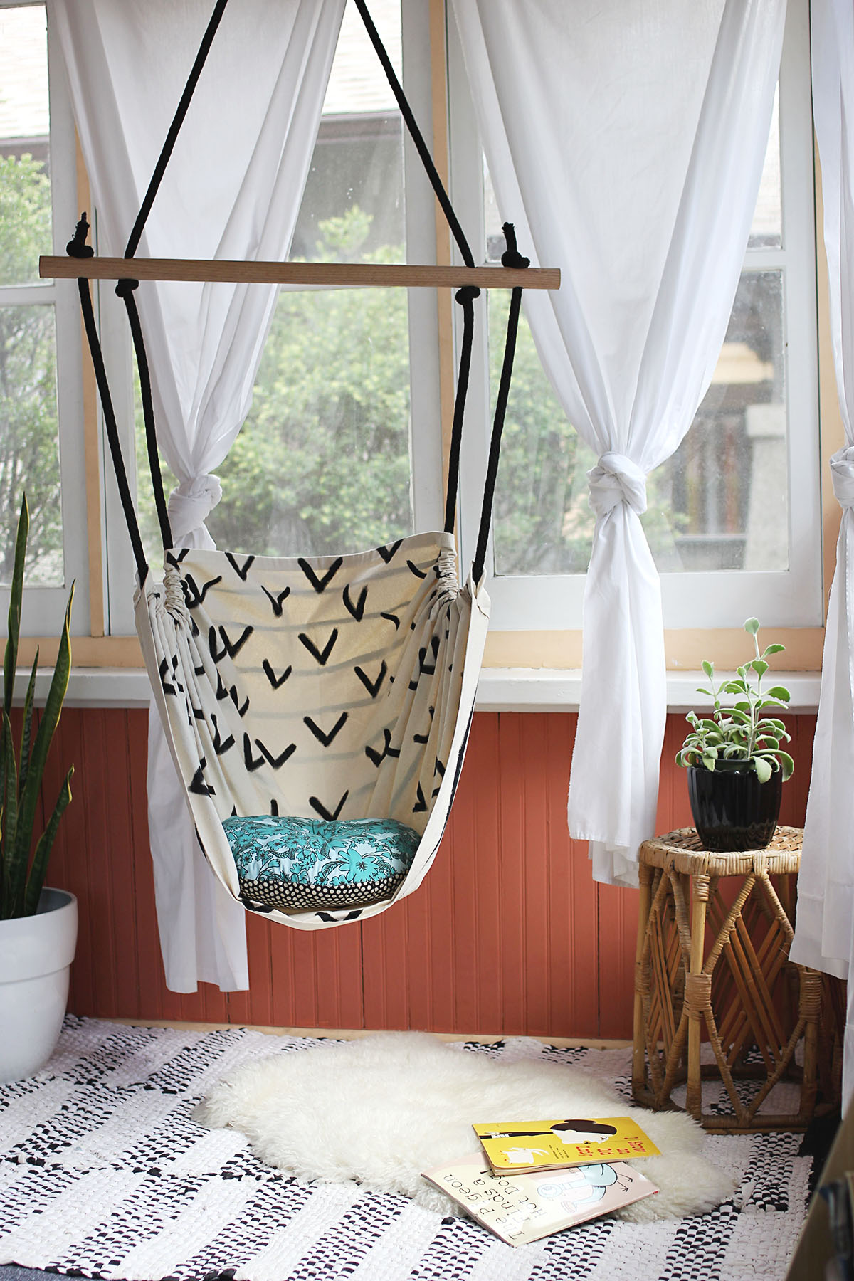 How to make a hanging hammock