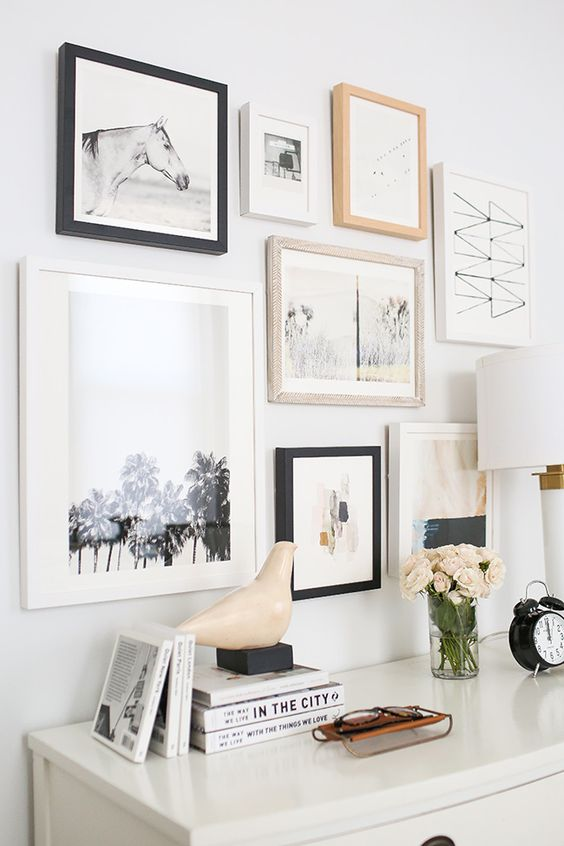 25 Unique ideas for creating a wall gallery