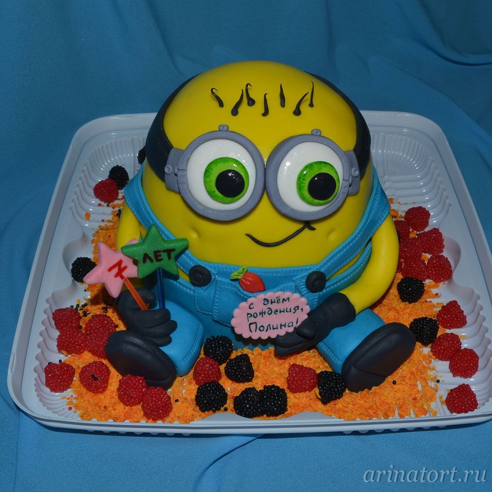 Cake for a girl in the form of minion