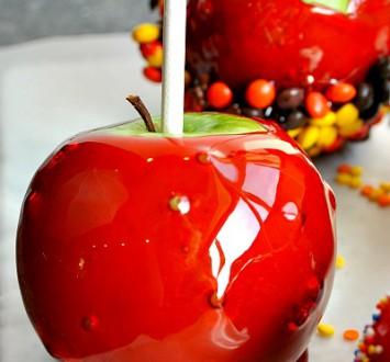 Красное карамельное яблоко {своими руками}
