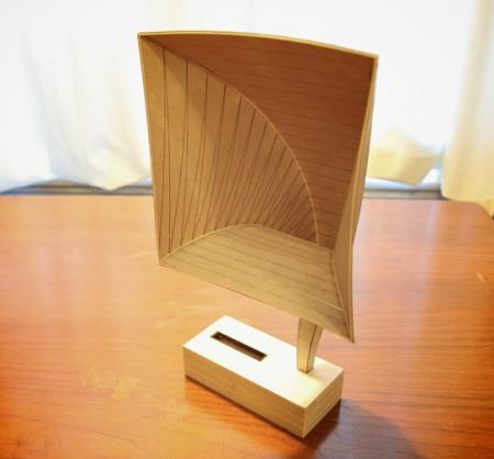 Граммофон для IPone из бумаги и дерева