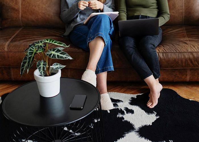 Как правильно покрасить кожаный диван