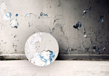 15 Причин отслаивания краски на стенах и потолке