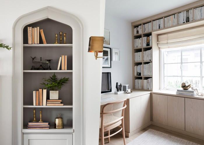 25 Идей встроенных книжных полок для экономии пространства